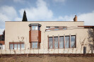 "Renovation of a Functionalist Villa ""Indian Ship"
