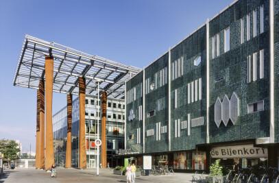 Shopping Mall-La Piazza