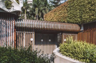 Garden Restroom