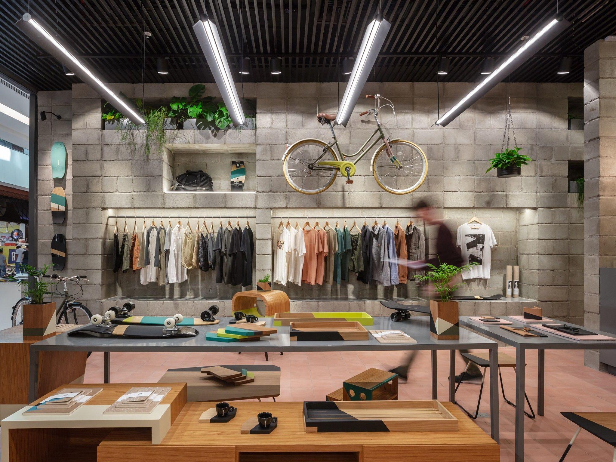 Itsu store
