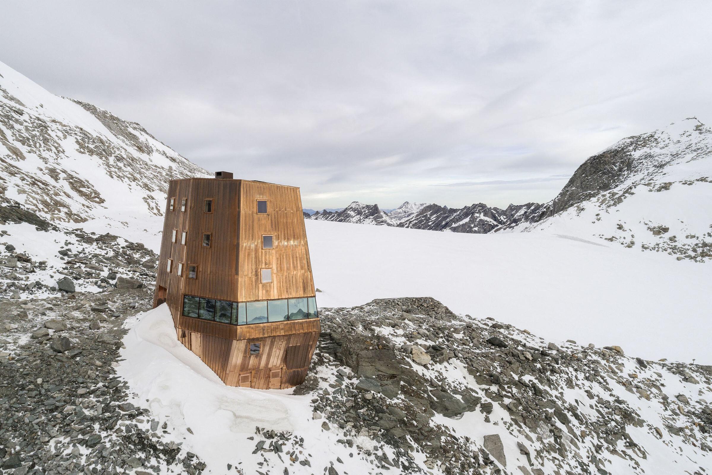 New Schwarzensteinhütte
