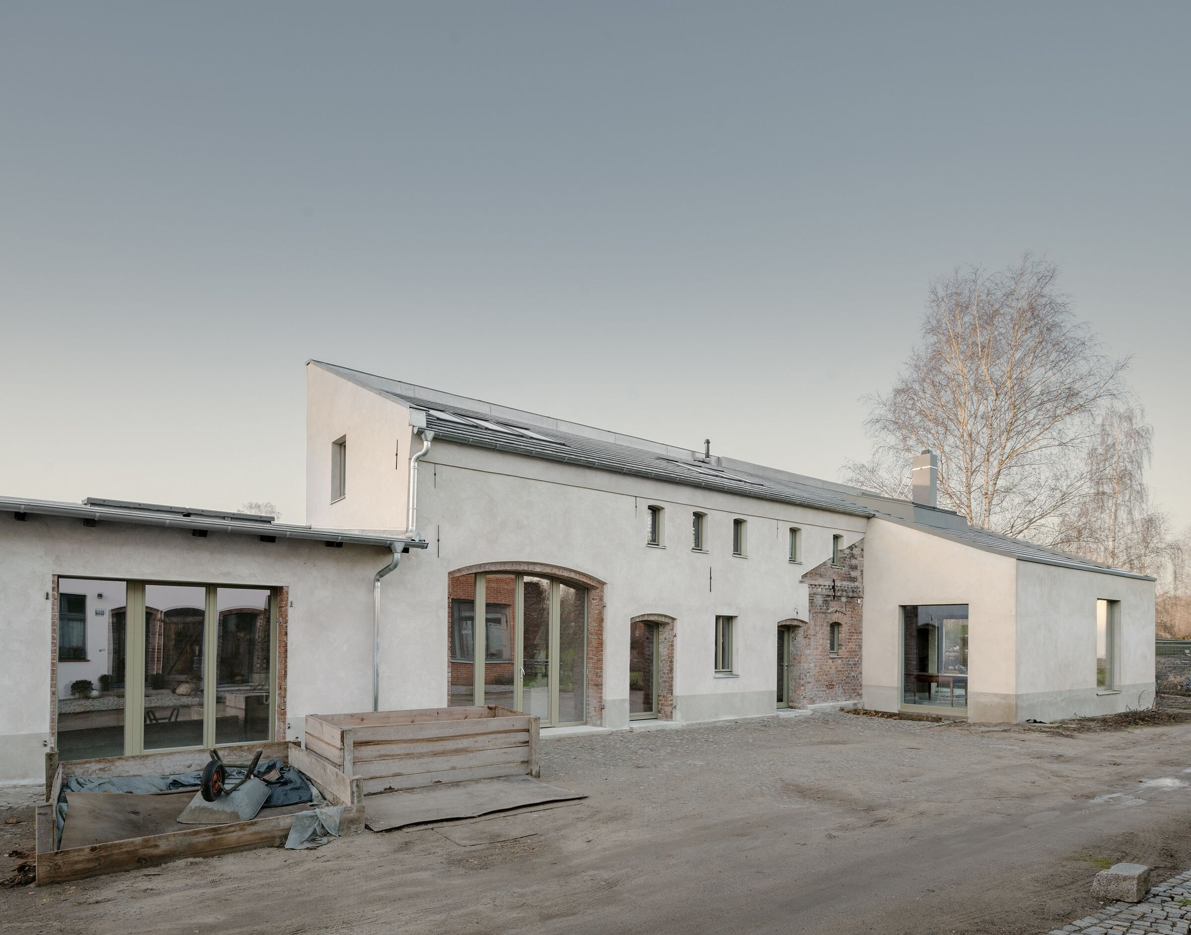 ROSÉ, Carriage House