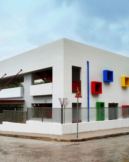 Modern Bioclimatic Kindergarten