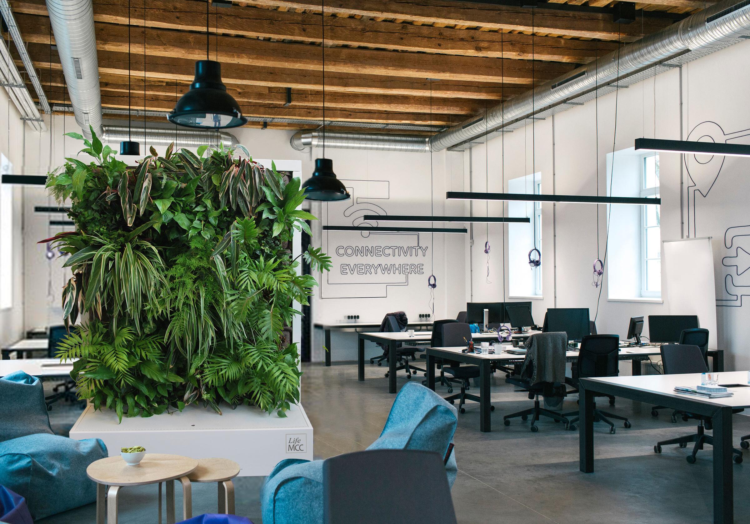 LifeMCC - movable plant wall