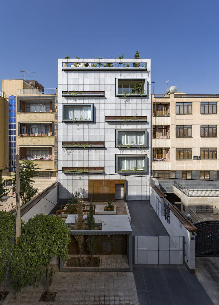 Gheisizadeh Residential Apartment