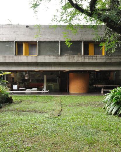 ALTO DE PINHEIROS HOUSE