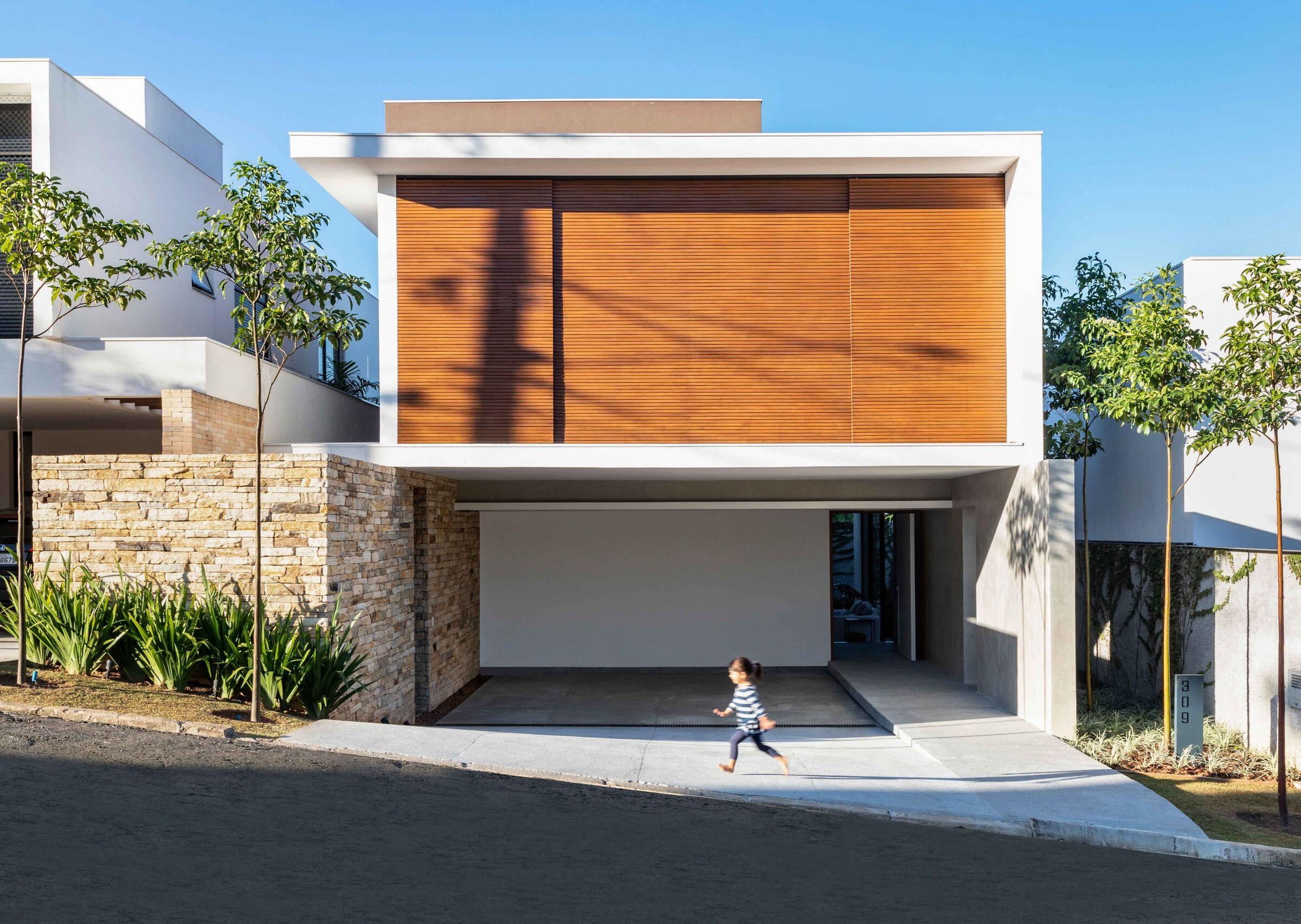 Sabará House