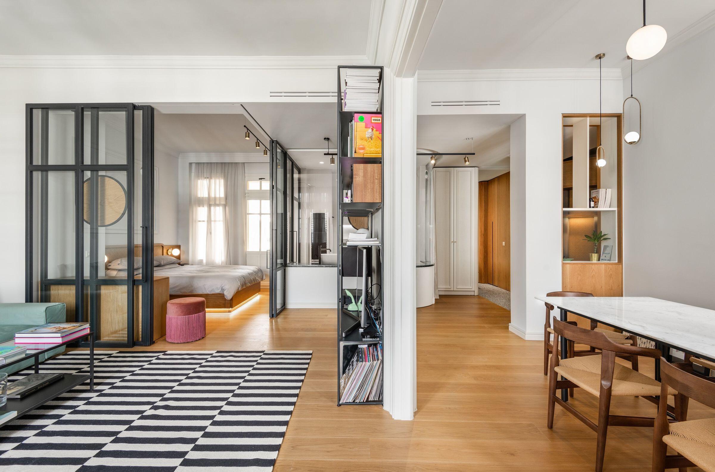 The Transparent Apartment