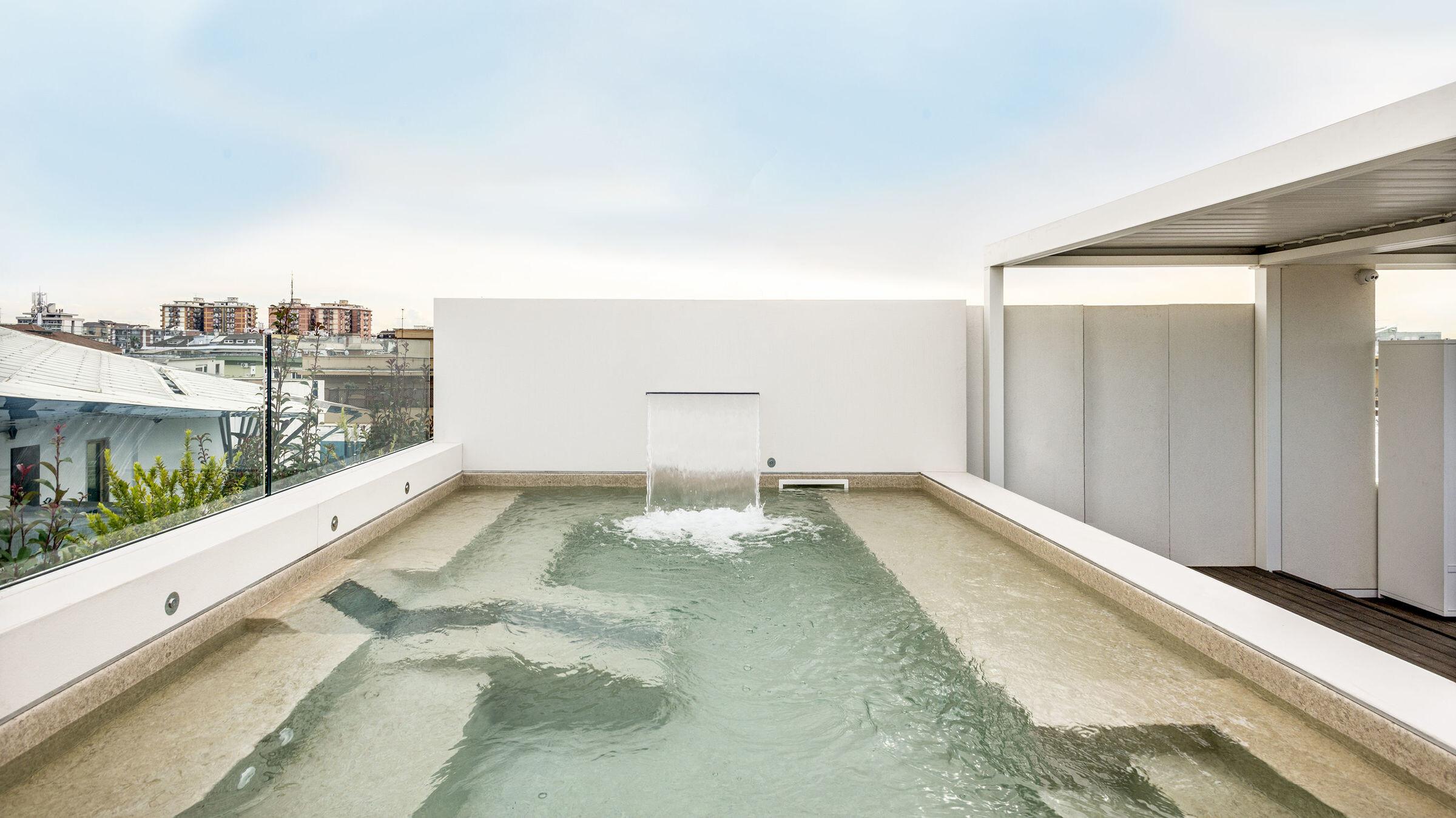 Latina Penthouse swimming pool