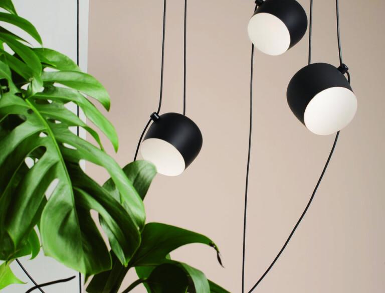 aim lamp white