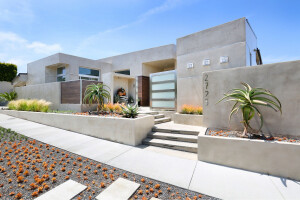 Knowles Residence