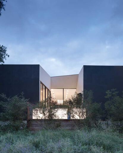 LEED Platinum modern home near Dallas