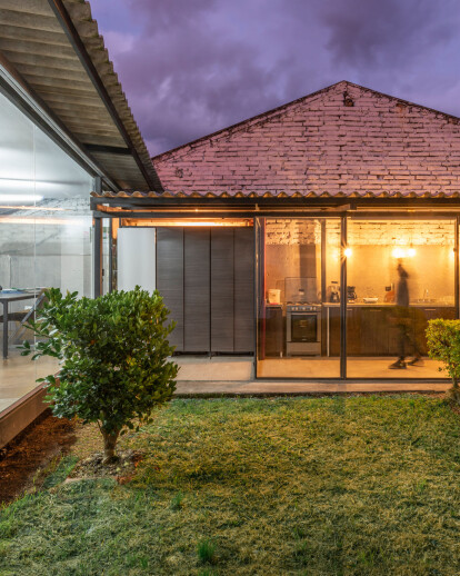 Cement Curtain | Ruptura Morlaca Arquitectura | Archello