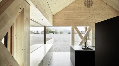 Wohnhaus auf 4 Stützenpaaren
