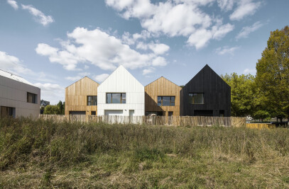 13 wood and straw houses for social housing