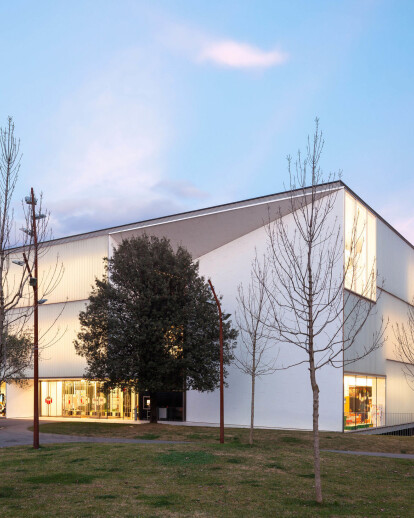 Carles Rahola Public Library