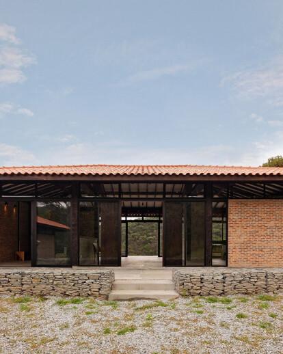Moeda House