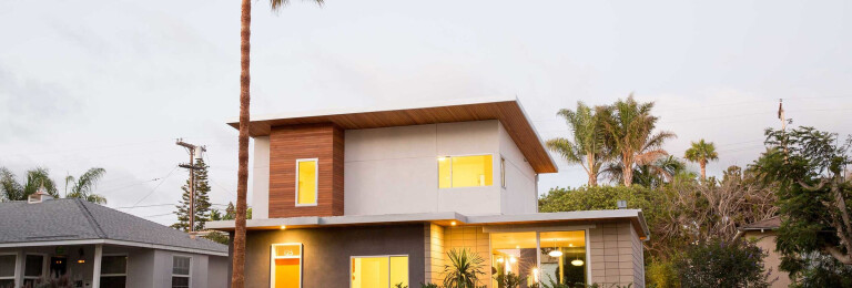 A block away from Encinitas' Moonlight Beach, this home has a direct connection to the outdoors and maximizes the green space around the home.