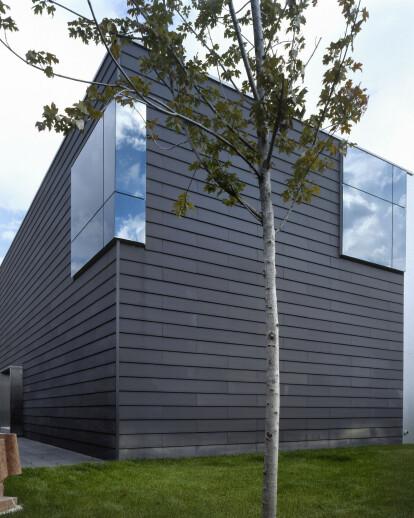 B2 House