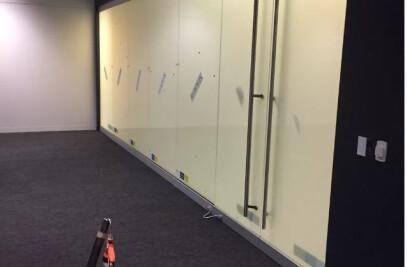Vario Privacy Glass in a boardroom