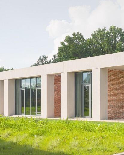 E+E House