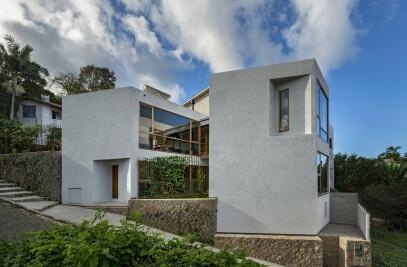 Lagoa House