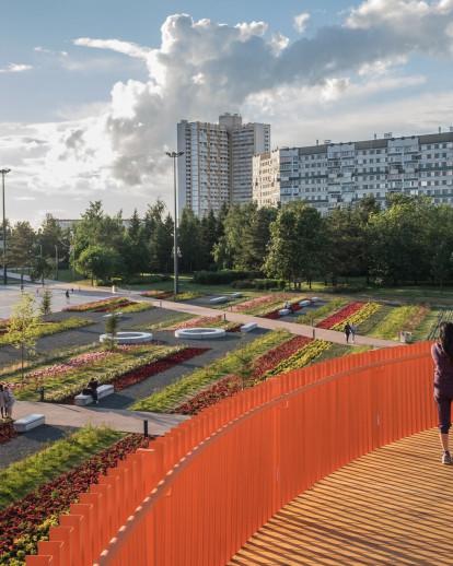 Azatlyk - Central Square of Naberezhnye Chelny