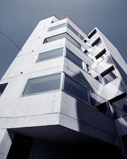 Apartment house on Röntgenstrasse