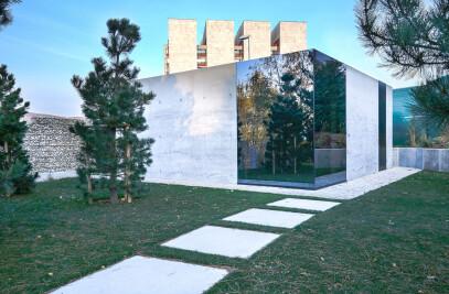 Pavillion Glass Cube + Concrete Garage