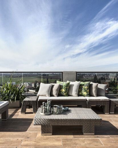 Boutique Style Apartment with a View