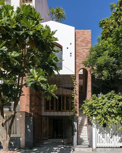 DT House