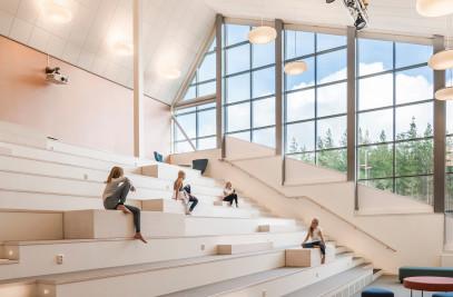 Sjölunda School
