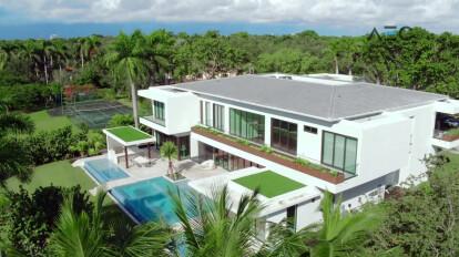 Residential Real Estate - Grand Showcase for Leucadendra Dr