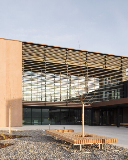 New showroom and storage facilities