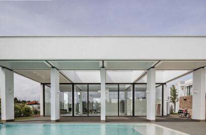 3 patios house