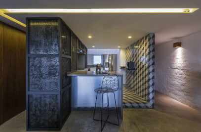 Black Box Apartment