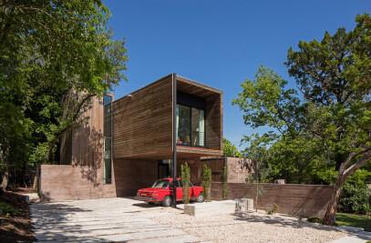Tetra House