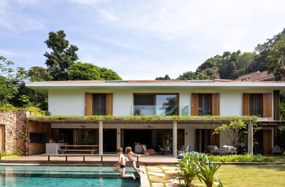 IP01 HOUSE