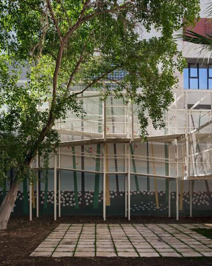 Vega Baja Hospital Courtyard