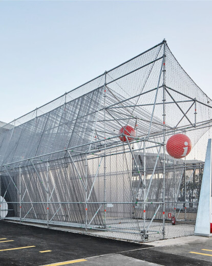 A Scaffolding System for a Temporary Facility