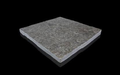 Silberquarzit Dark, rough-cleaved surface