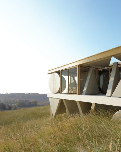 Strikingly Simple House Geometry