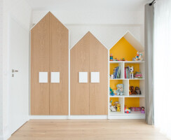 kid's room w/ custom made furniture