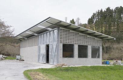 Equine Pavilion in Aulesti