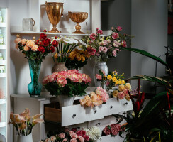 white side with artificial flowers