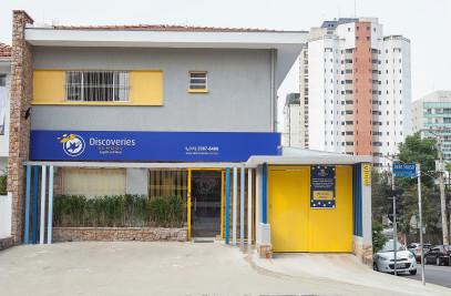 Discoveries School (language school for children)