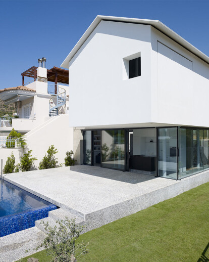 House Ε