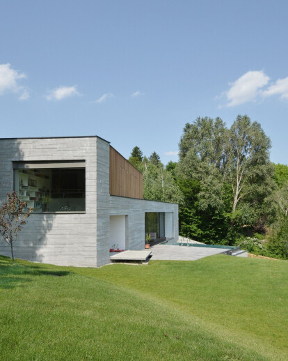 House with CONCRETE BOWL