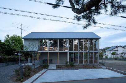House/Garden café in Miho-no-matsubara