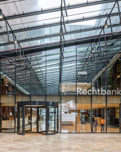 Renovation of the Rotterdam District Court highlights warmth and transparency